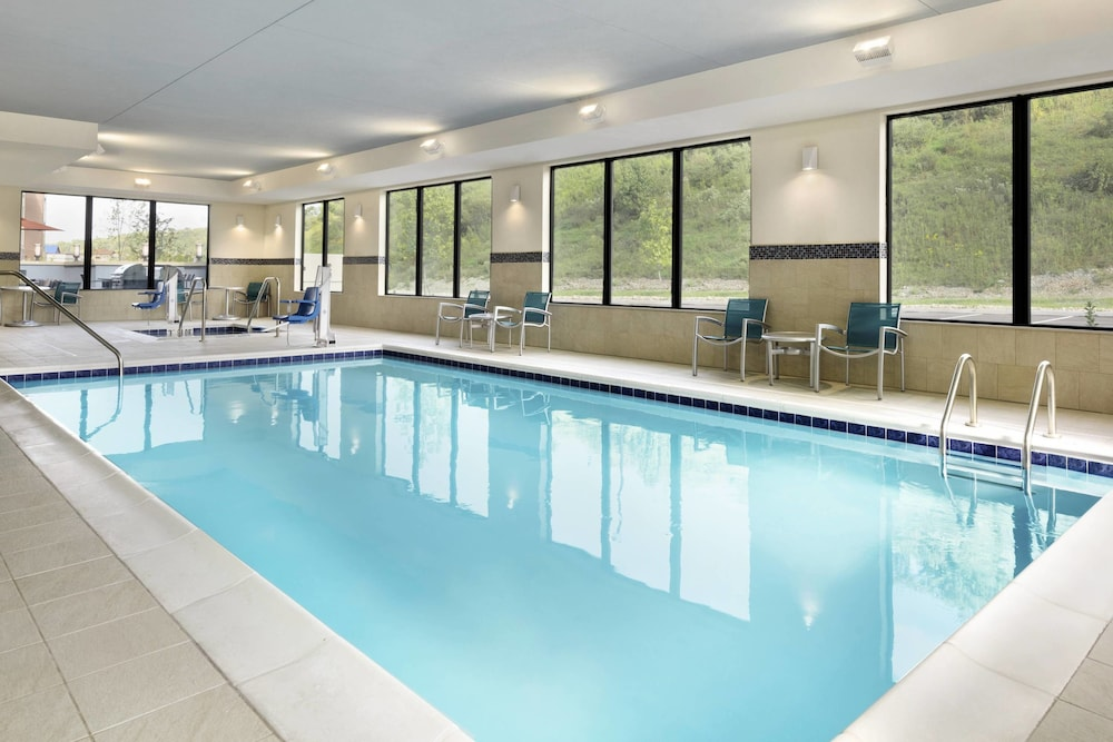 Indoor Pool, TownePlace Suites Pittsburgh Airport/Robinson Township