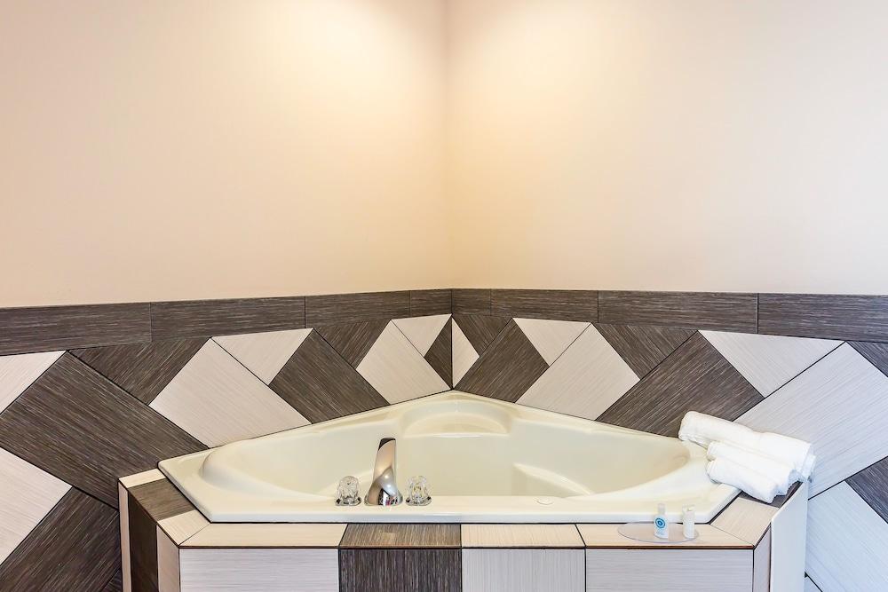 Comfort Inn Amp Suites Moore Oklahoma City Deals Amp Reviews