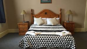 Desk, free cots/infant beds, rollaway beds, bed sheets
