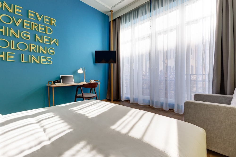 In-Room Business Center, Colors Urban Hotel Thessaloniki