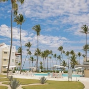 Playa Turquesa D101 Private BeachFront Community Free Wi Fi 2 Br condo by RedAwning