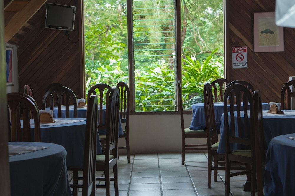 Hotel villa zurqu san jos hotelbewertungen for Villas zurqui fotos