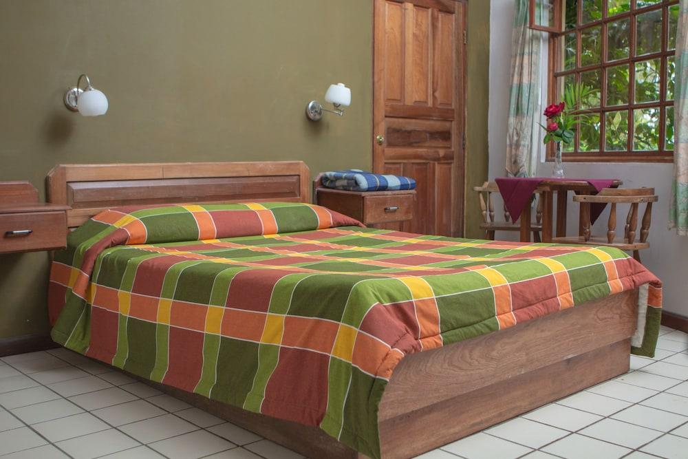 Hotel villa zurqu san jos hotelbewertungen 2018 for Villas zurqui fotos