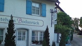 Vacation Apartment in Allensbach 6553 1 Br apts by RedAwning - Allensbach Hotels