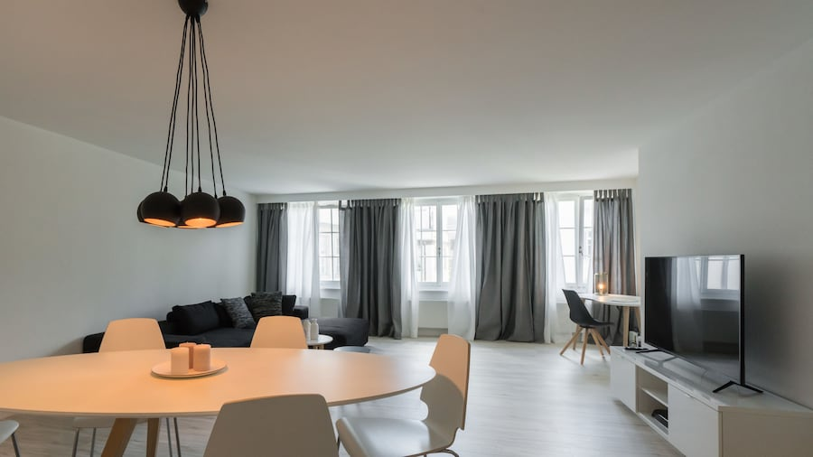 Paradeplatz Apartment by Airhome
