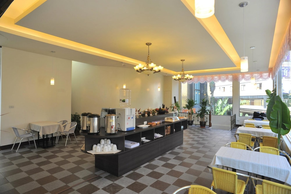 Breakfast buffet, Bali Motel