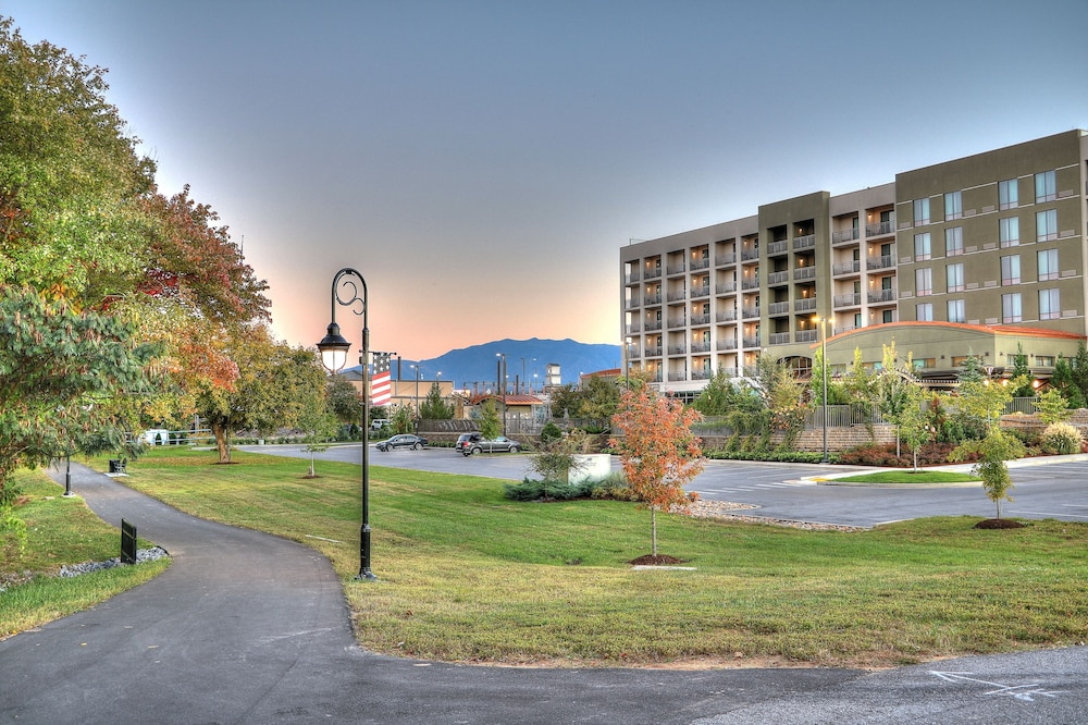 Property Grounds, Courtyard by Marriott Pigeon Forge