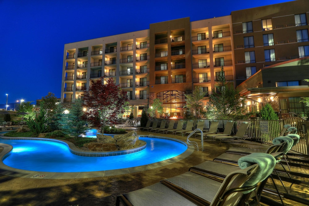 Pool, Courtyard by Marriott Pigeon Forge