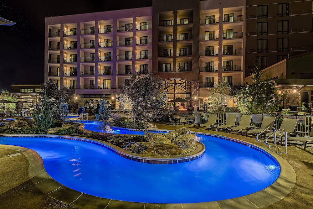 Outdoor Pool, Courtyard by Marriott Pigeon Forge