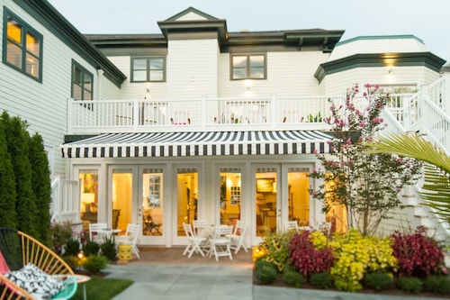 Cheap Hotels In Greenport Find 189 Hotel Deals