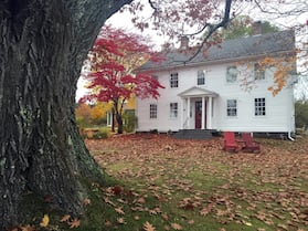 Grand Oak Manor Bed & Breakfast