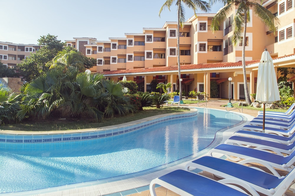 Outdoor Pool, Be Live Experience Las Morlas All Inclusive