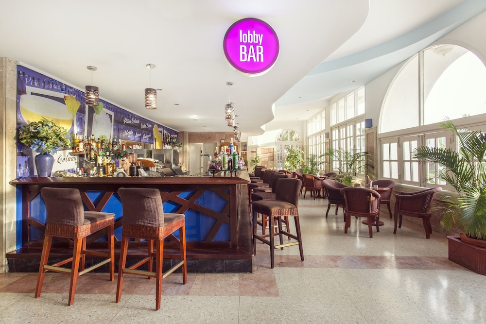 Bar, Be Live Experience Las Morlas All Inclusive