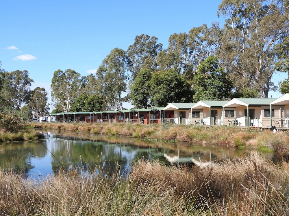 victoria lake holiday park shepparton 2019 room prices. Black Bedroom Furniture Sets. Home Design Ideas
