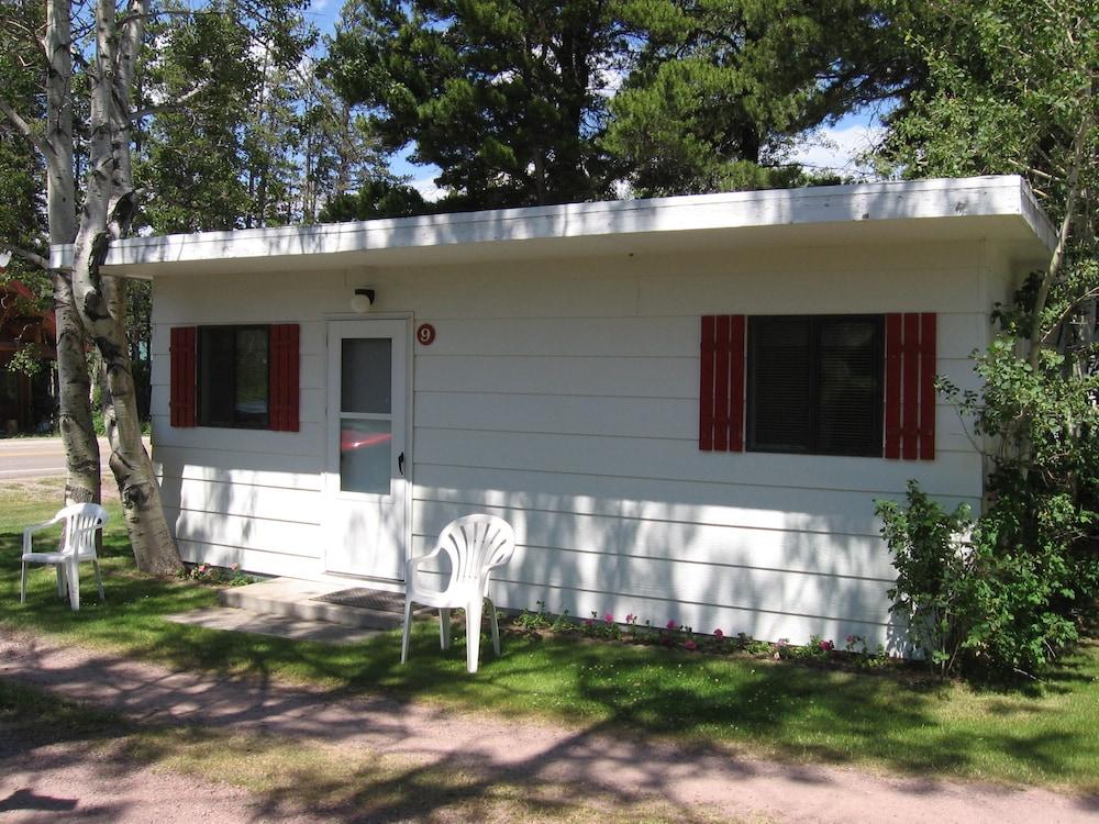 Jacobson S Cottages In East Glacier Park Hotel Rates