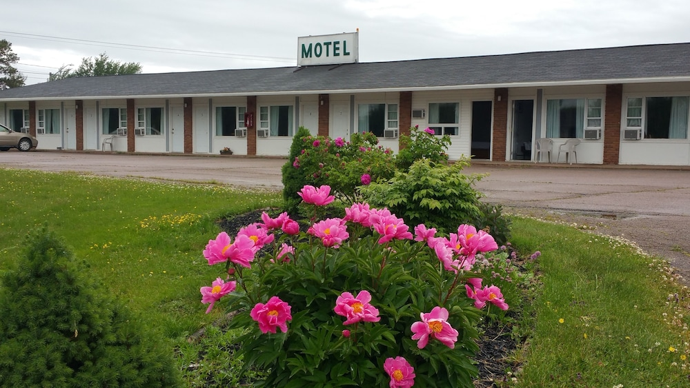 Front of Property, Tantramar motel