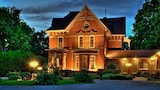 The Woodview Inn - Gananoque Hotels