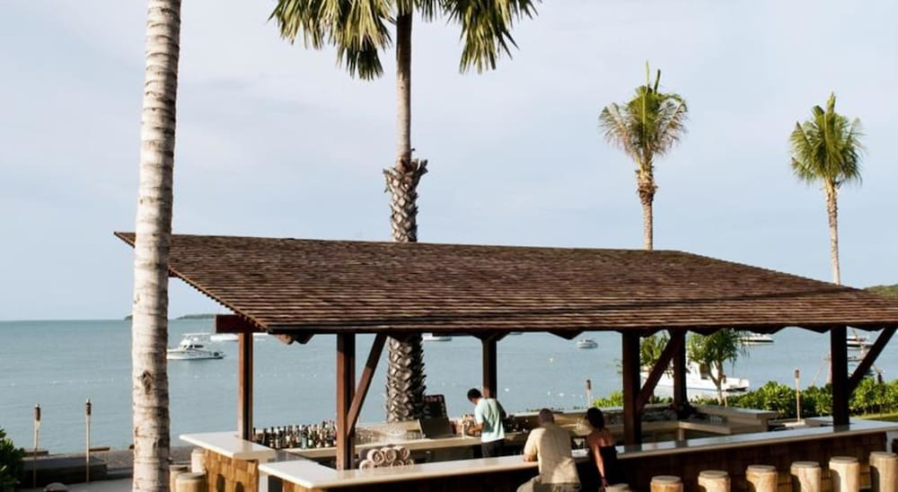 Beach Bar, Hansar Samui Resort & Spa