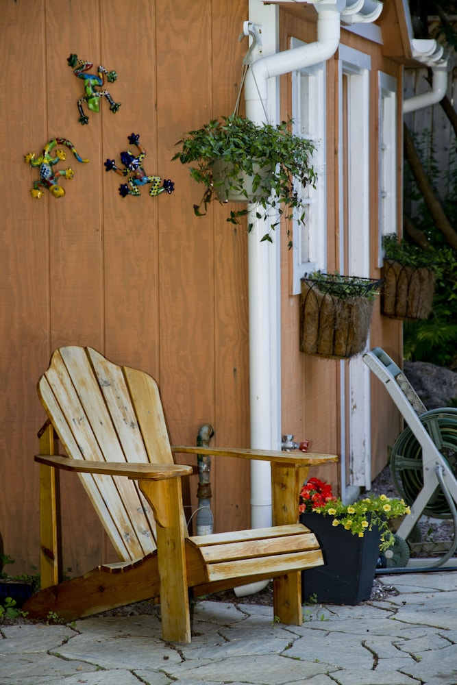 Heath Haven Bed And Breakfast Port Perry On