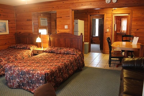 Room, Aurora's Kentucky Lake Cottages
