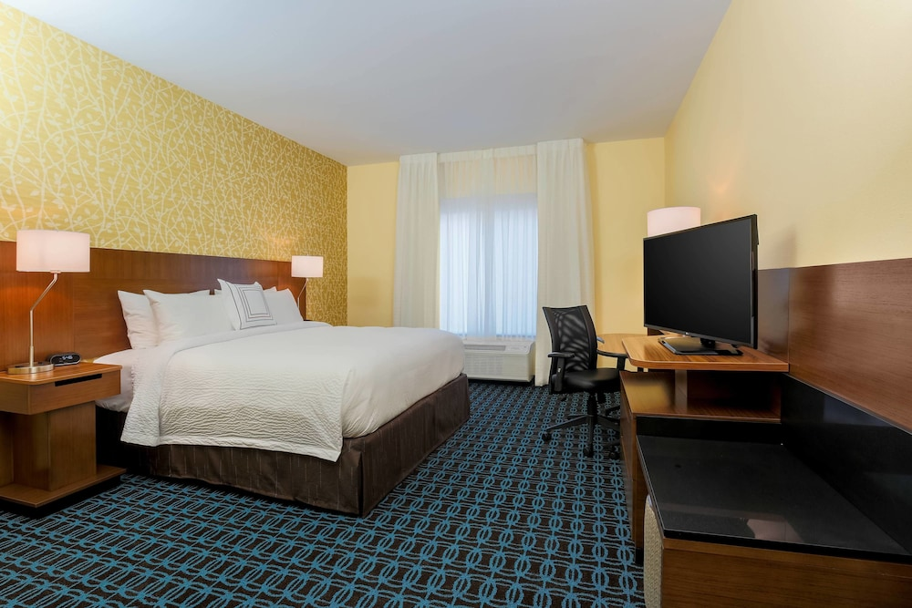 Room, Fairfield Inn & Suites Alexandria