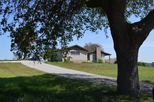 Great Place to stay Doc's Place 3 Br home by RedAwning near Paso Robles