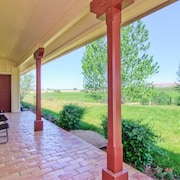 Vina Robles Guest 4 Br home by RedAwning