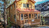 Sugar Shack 1530 3 Br home by RedAwning - Big Bear City Hotels