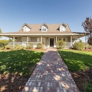 Rolling Oaks 4 Br home by RedAwning