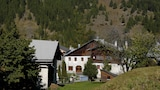 Youth Hostel Sta. Maria - Val Muestair Hotels