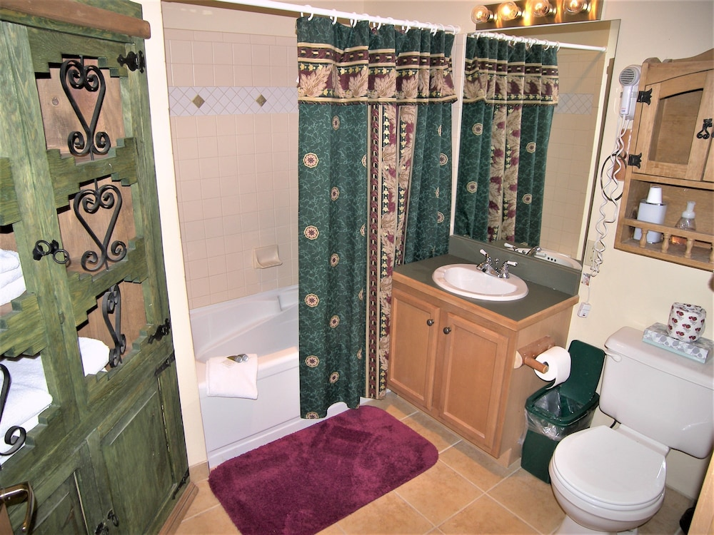 Bathroom, Arapahoe Lodge 1 Bed 1 Bath B