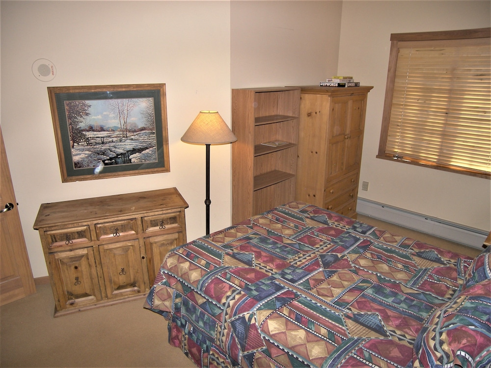 Extra Beds, Arapahoe Lodge 1 Bed 1 Bath B