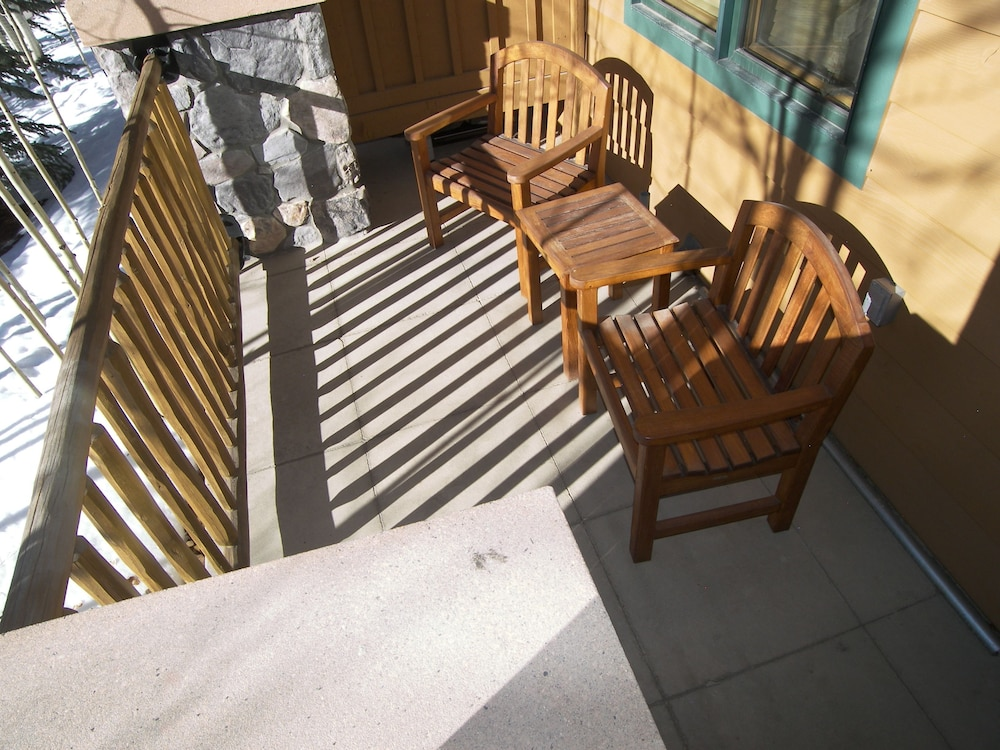 Terrace/Patio, Arapahoe Lodge 1 Bed 1 Bath B