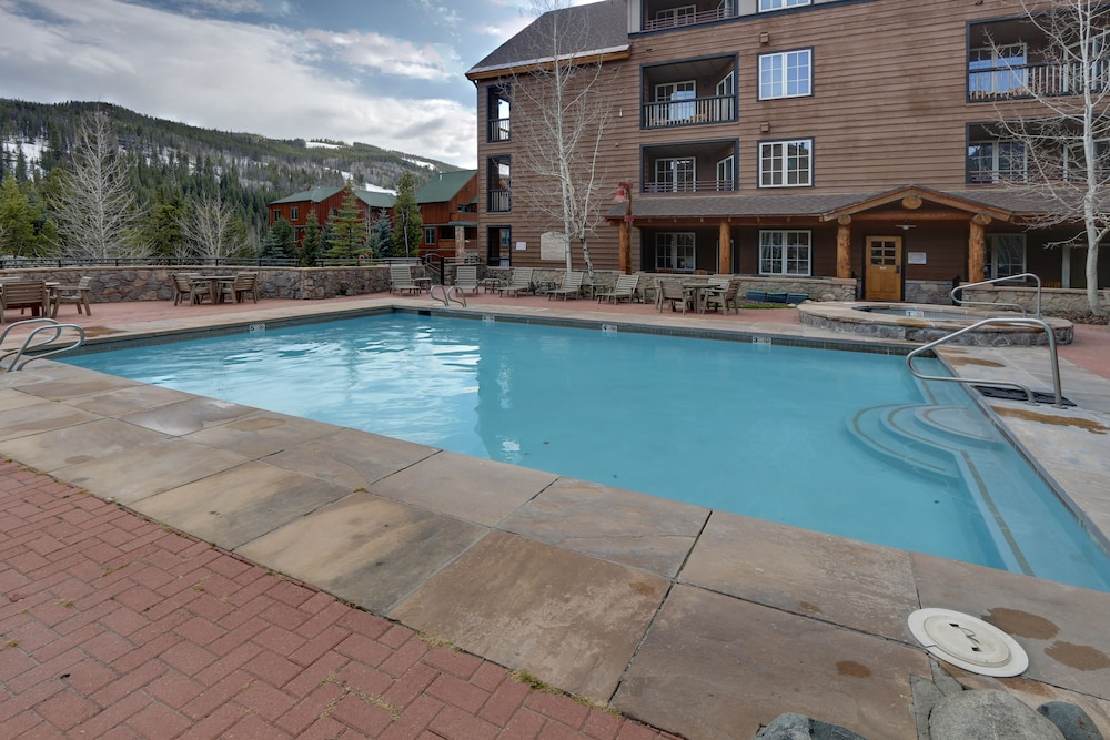 Pool, Arapahoe Lodge 1 Bed 1 Bath B