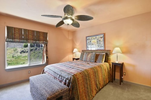 Check Expedia for Availability of Pagosa Riviera 2 Br condo by RedAwning