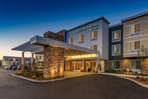 Fairfield by Marriott Inn & Suites Plymouth White Mountains