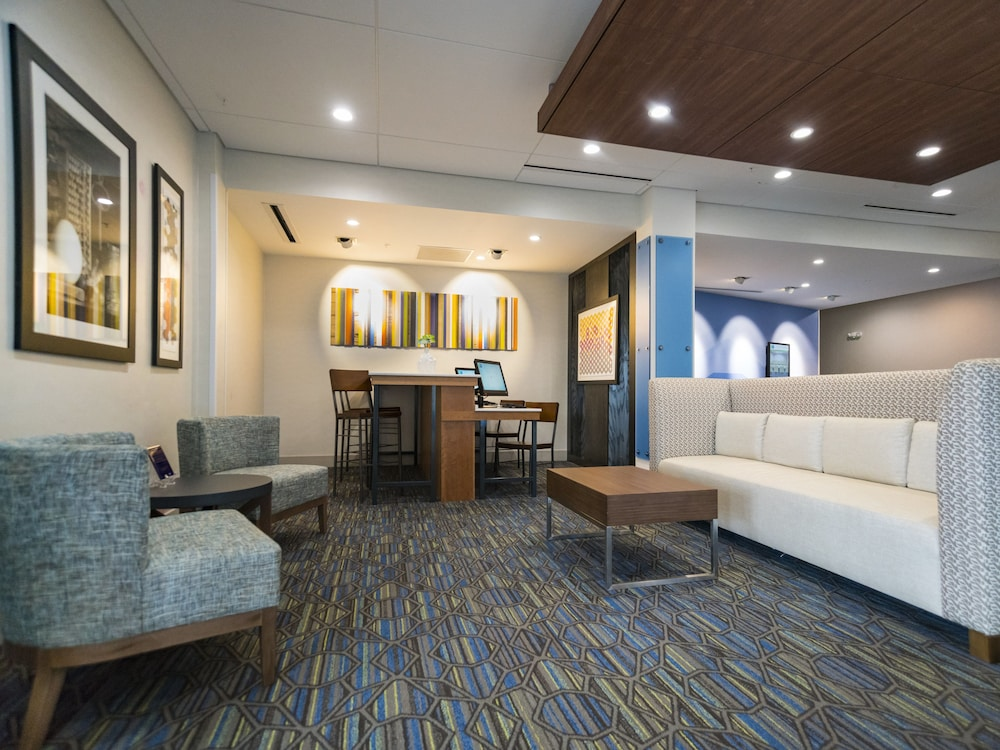 Lobby, Holiday Inn Express & Suites Southaven Central - Memphis, an IHG Hotel