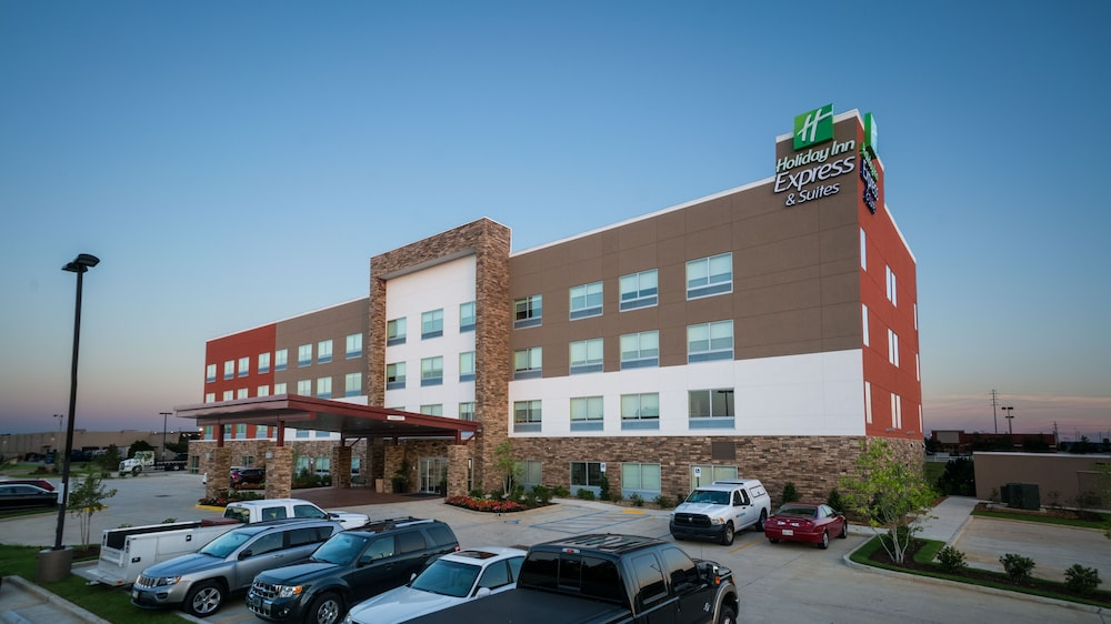 Front of Property, Holiday Inn Express & Suites Southaven Central - Memphis, an IHG Hotel