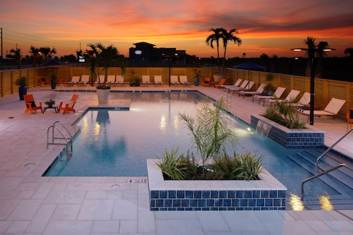 Pet Friendly Hotels in Gulf Shores: $55 Dog Friendly Hotels