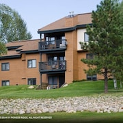 The Pines miniums P104E 1 Br condo by RedAwning
