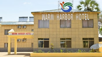 Warm Harbor Hotel