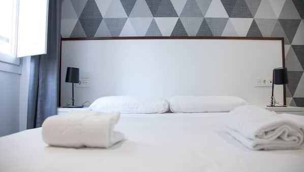 1 camera, una cassaforte in camera, con arredamento individuale