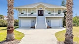Atlantic Beach 5 Br home by RedAwning - Flagler Beach Hotels