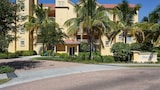 Elevator Gym and Heated Pool 3 Br condo by RedAwning - Fort Myers Beach Hotels