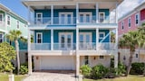 Delmar Dolphin Bay Front 3 Br home by RedAwning - Fort Myers Beach Hotels