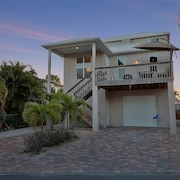 4Br home in Miramar Beach with Heated Pool Spa by RedAwning