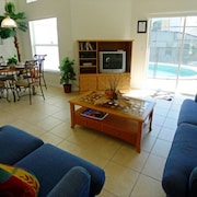 Southern Sands Villa 4 Br villa by RedAwning