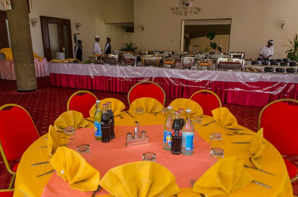 Buffet, Ghion Hotel