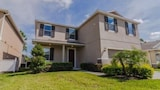 4 bedroom 2 5 bath Pool Home by RedAwning - Kissimmee Hotels
