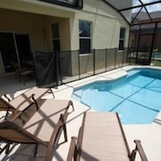Delightful 5 bedroom in Veranda Palms 5 Br home by RedAwning